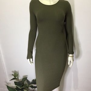 Dresses & Skirts - 🌻 NWT - Olive green body-con dress (Size:M)